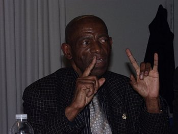 Dr-Francois-Mpuila